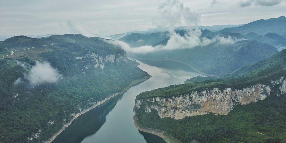 Река Уцзян в провинции Гуйчжоу