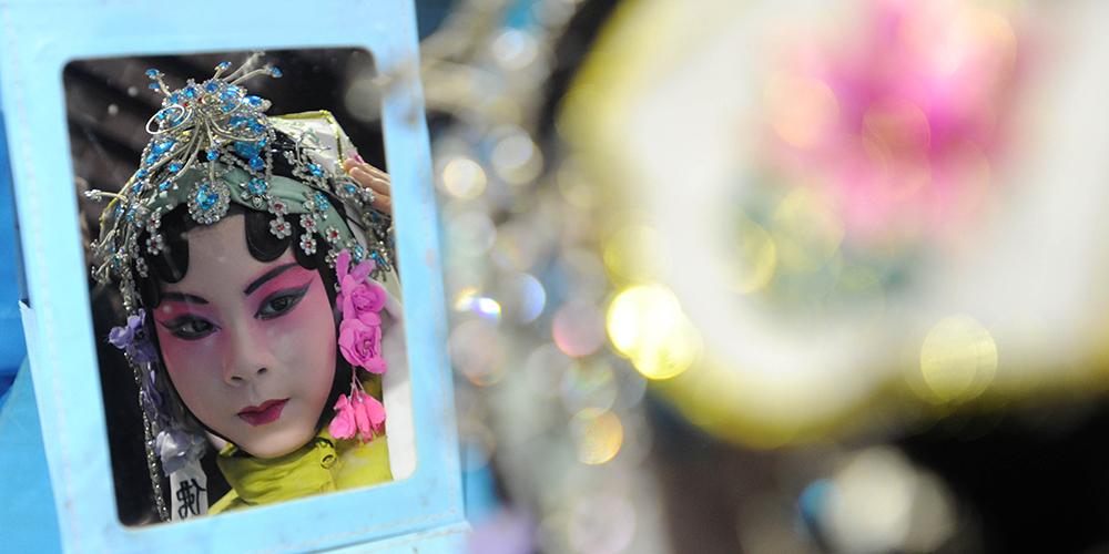 Выступление детской труппы куньцюй в Сучжоу