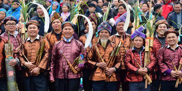 Новогодний фестиваль Гулунпохуэй в волости Сянфэнь