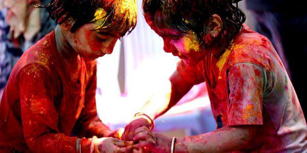 В Мьянме отметили фестиваль красок Холи