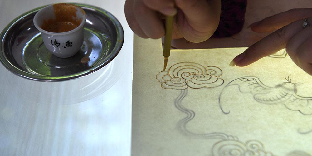 Возрождение считавшейся утерянной техники производства бумаги императорского двора Поднебесной