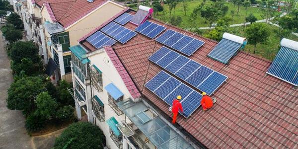 Солнечные батареи помогают увеличивать доходы сельских жителей пров. Чжэцзян