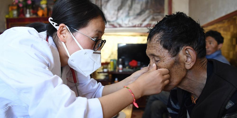 """""""Степные врачи"""" оберегают здоровье тибетских скотоводов"""