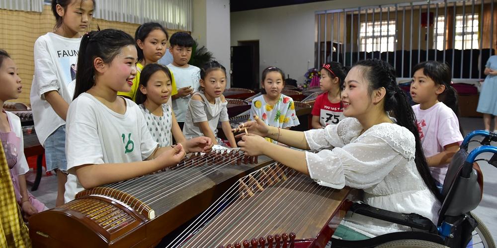Музыкальная мечта девочки с инвалидностью из провинции Шаньси