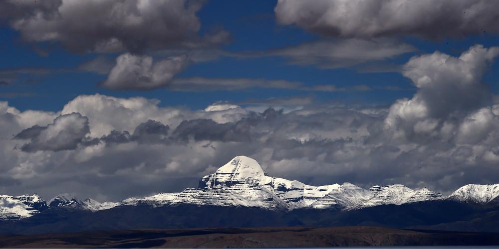Прекрасные пейзажи горы Кайлас