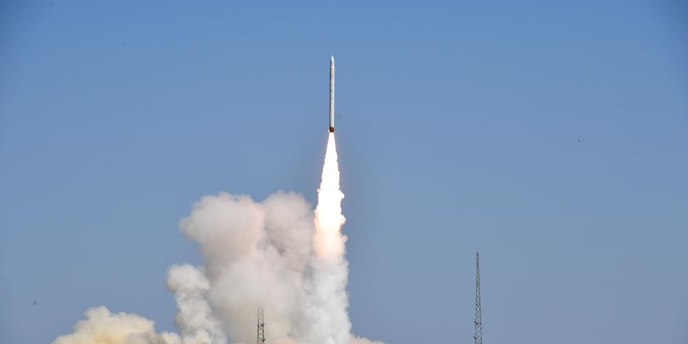 """Первый запуск китайской коммерческой ракеты-носителя """"Смарт Дракон-1"""""""