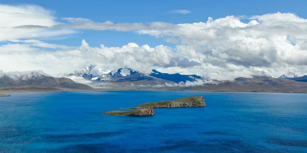 Озеро Пума-Юмцо -- взгляд с неба