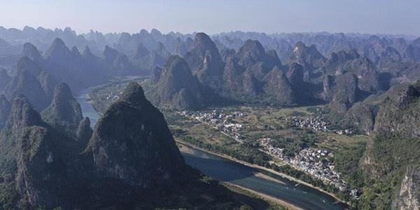 Прекрасные пейзажи гор и рек в г. Гуйлинь Гуанси-Чжуанского автономного района