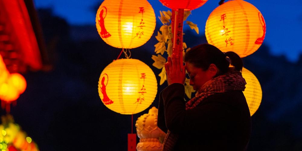 Мир встречает Новый год по китайскому лунному календарю