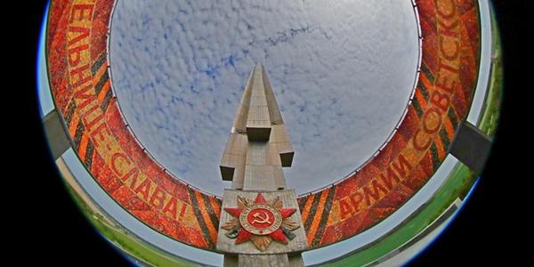 """Символ победы Великой Отечественной войны в Беларуси -- """"Курган Славы"""""""