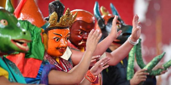 """Ежегодные """"пляски духов"""" в тибетском монастыре Ташилунпо"""