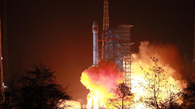 Китай успешно вывел на орбиту новый спутник мобильной связи