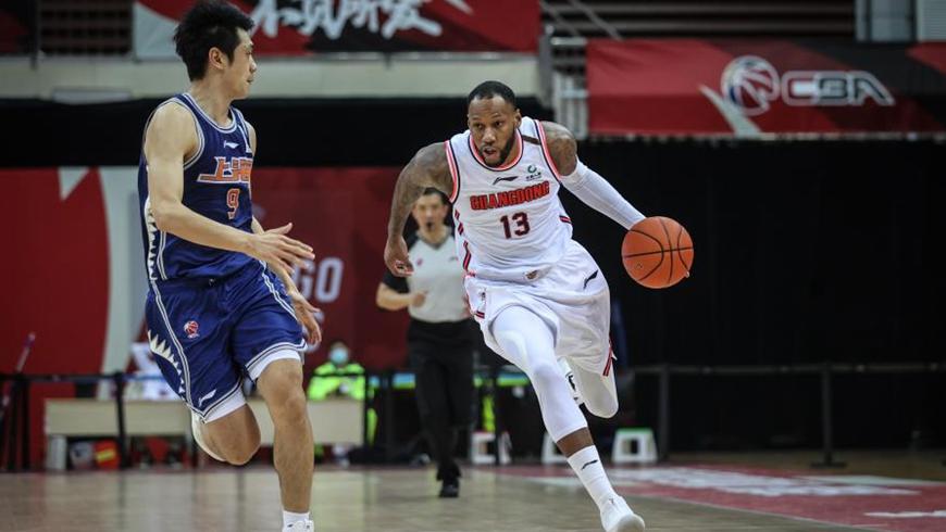 "Баскетбол -- Чемпионат КБА 2020-2021, 2-й этап: ""Гуандун Дунгуань Даи"" победил ""Шанхай Цзюши"""