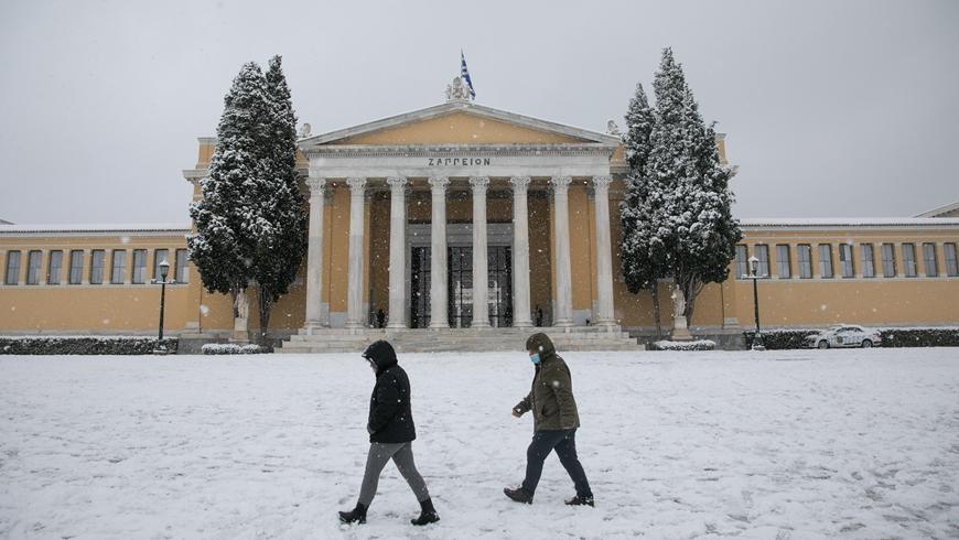 Афины под зимним снегом