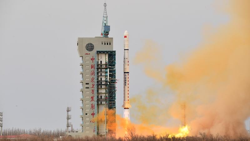 Китай запустил новые спутники для исследования электромагнитной среды