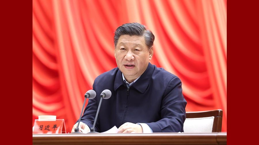 Си Цзиньпин призвал молодых кадровых работников продолжать славные традиции и придерживаться прекрасного стиля партии