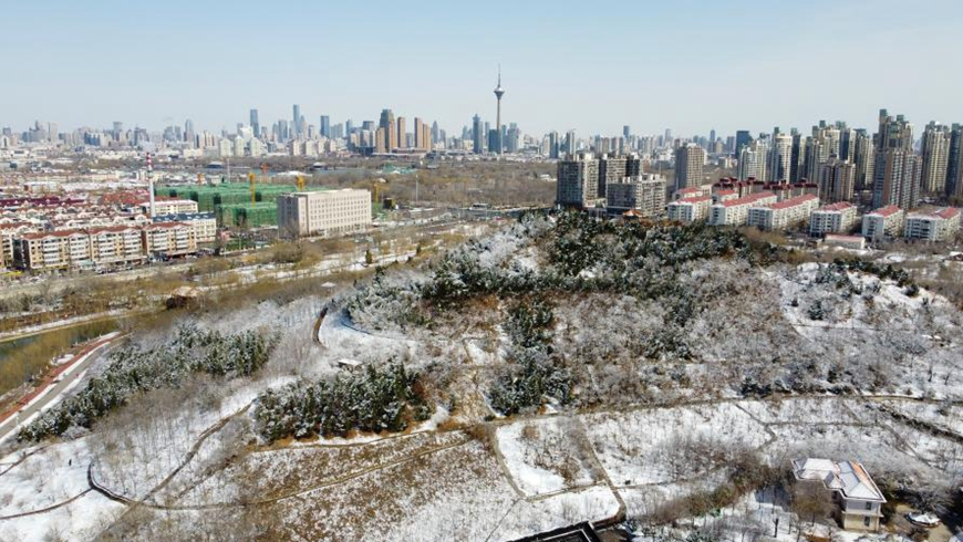 Снег с дождем накрыл Тяньцзинь