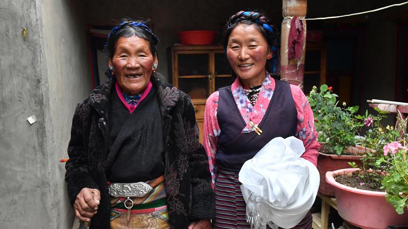 От страданий к новой жизни -- Истории бывших крепостных крестьян Тибета: Лхапа