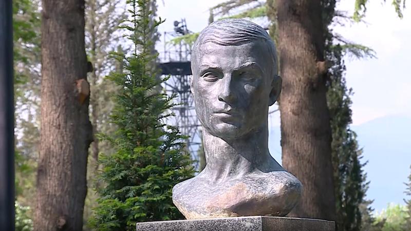 Премьер-министр Грузии почтил память погибших в Великой Отечественной войне